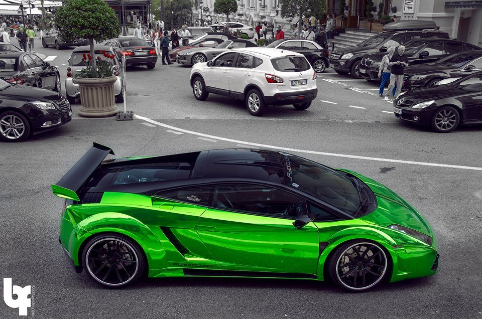 chrome green Gallardo.... There you go... And