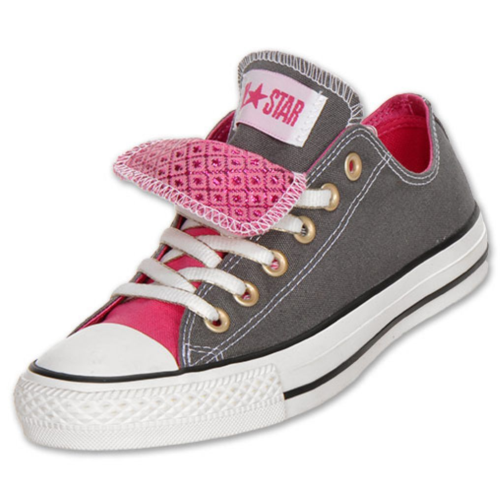 Double tongue pink and grey converse.