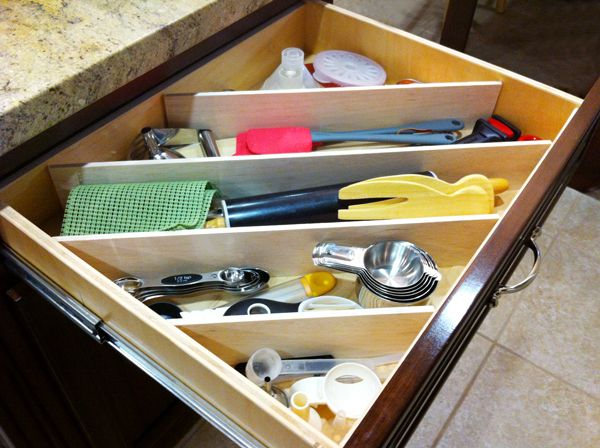 DIY Diagonal Drawer Dividers : A More Interesting (and Efficient) Way To  Organize Your Kitchen Drawers!