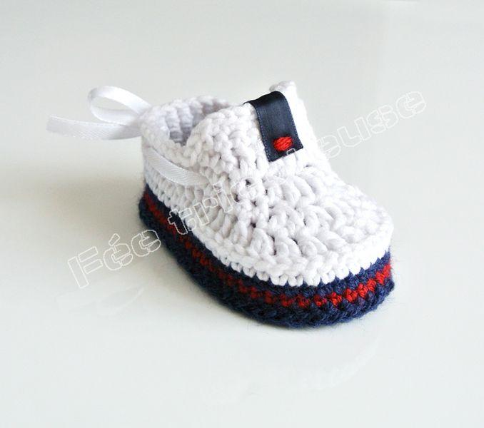 Chaussons tricotés, mocassins bébé (blanc) est une création orginale ...