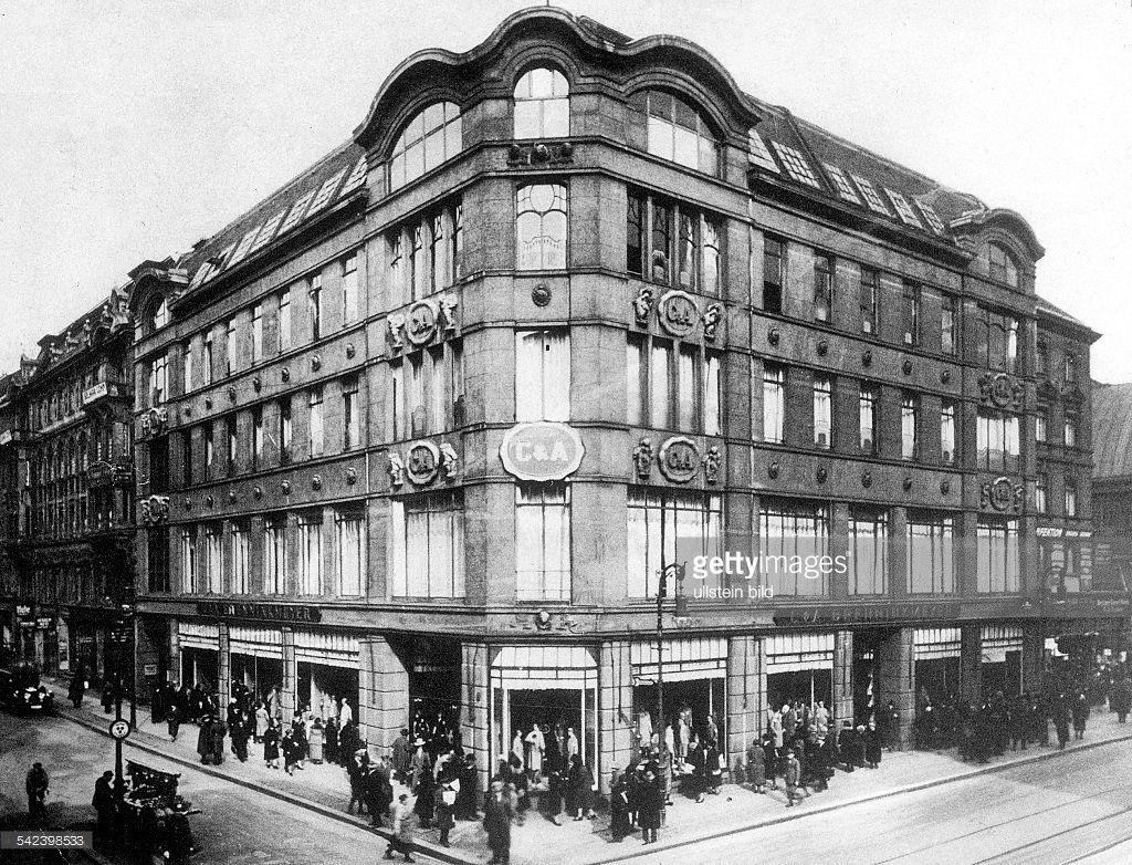 Das Erste Brenninkmeyer Kaufhaus Ca In Der Königstrasse Am