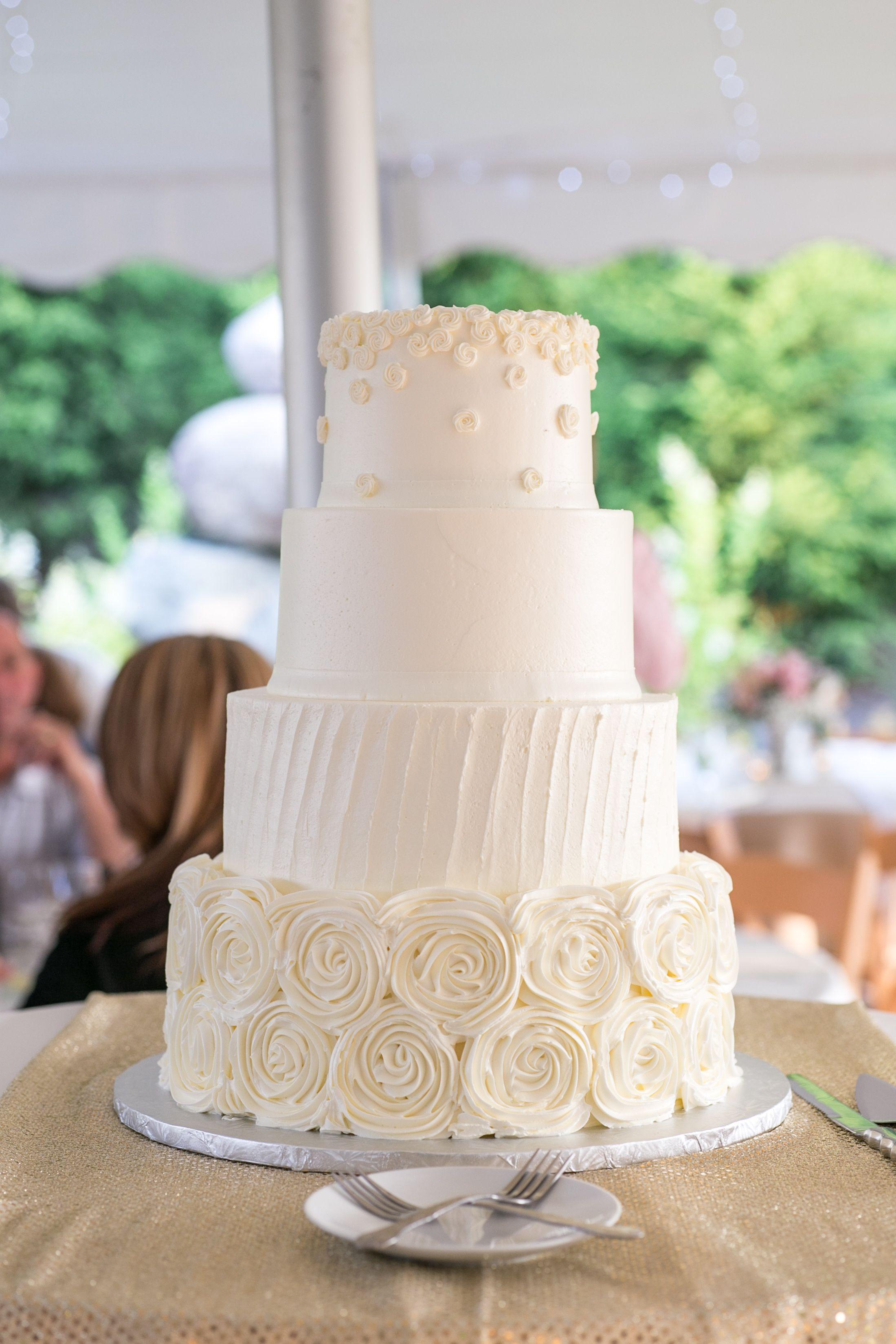 rustic wedding cake // shabby chic wedding cake // buttercream ...