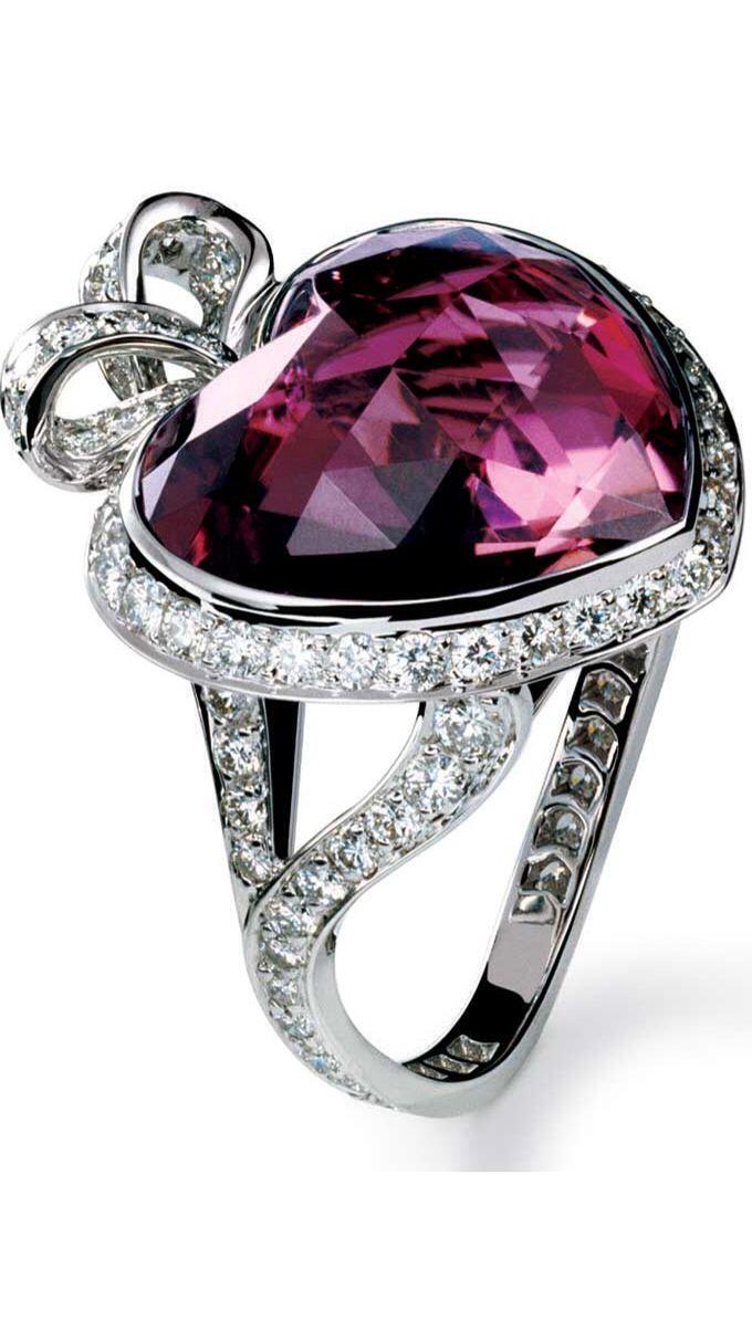 Dior Alta Joyería Coeur Romántica turmalina rosa, diamantes y oro blanco POA