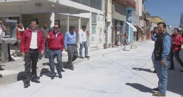 Supervisan MAR y BMQ obra en Avenida García Salinas