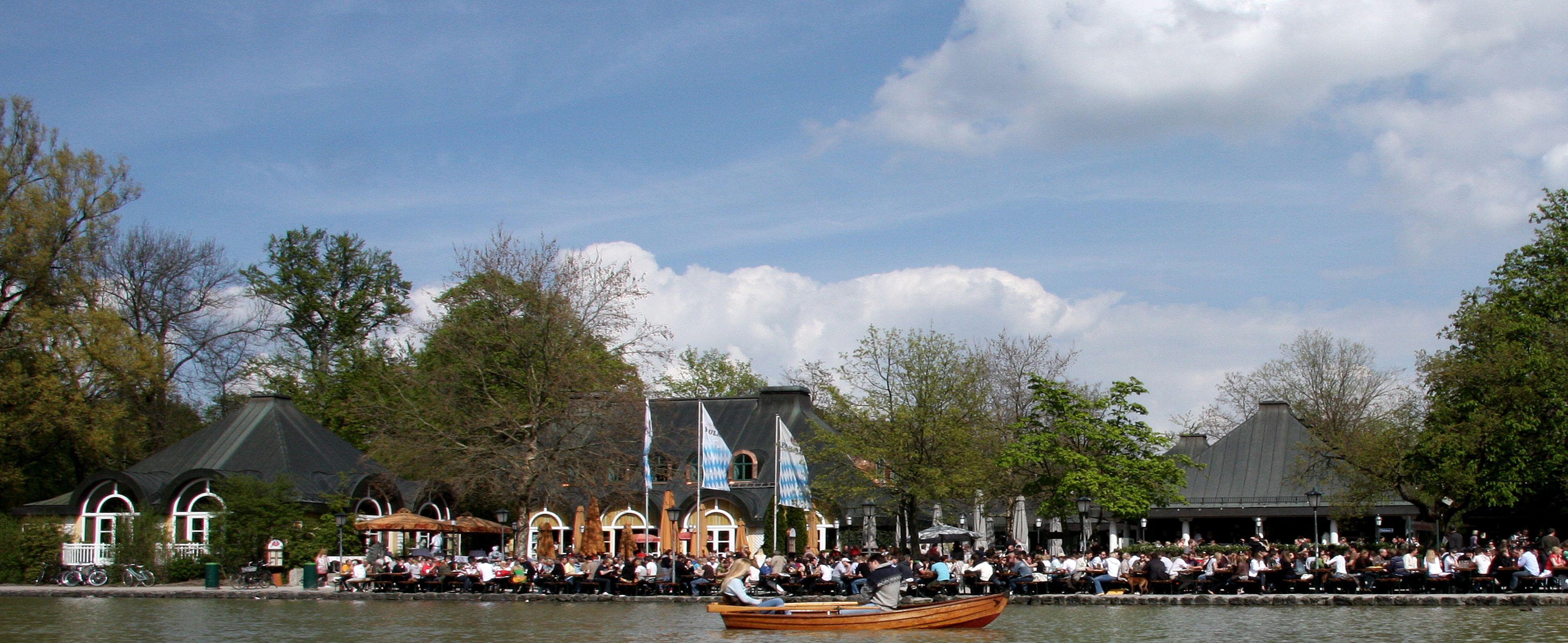 View from the lake Seehaus im Englischen Garten Biergarten Biergarden Seehaus