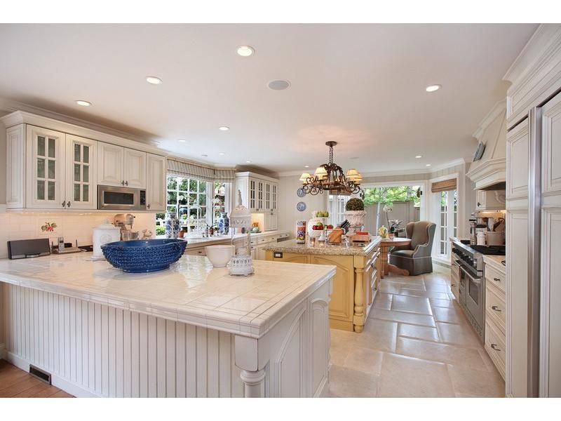 Trisha Troutz: Laguna Beach Cottage #kitchens