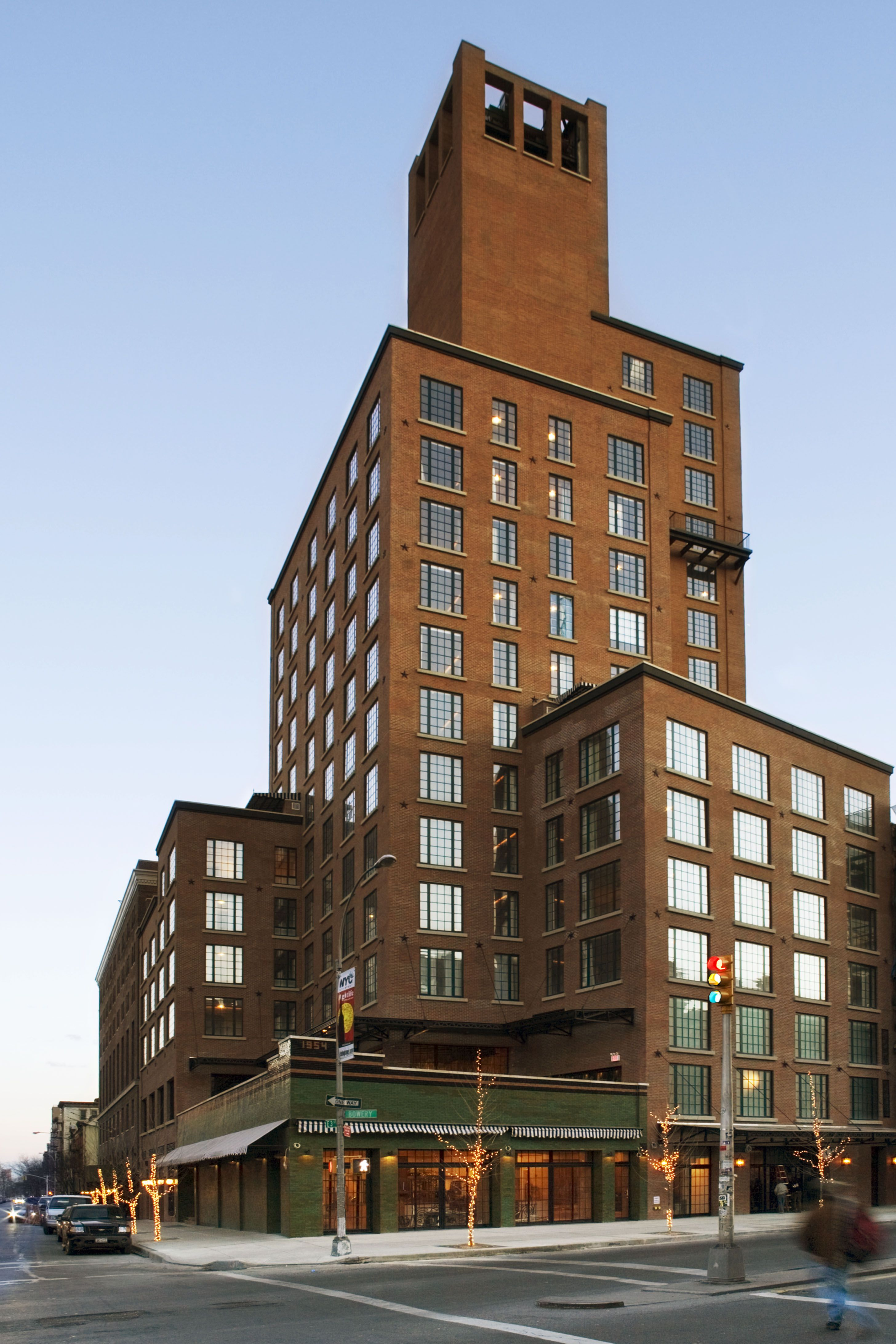 Street View Of The Bowery Hotel Nyc Lowereastside