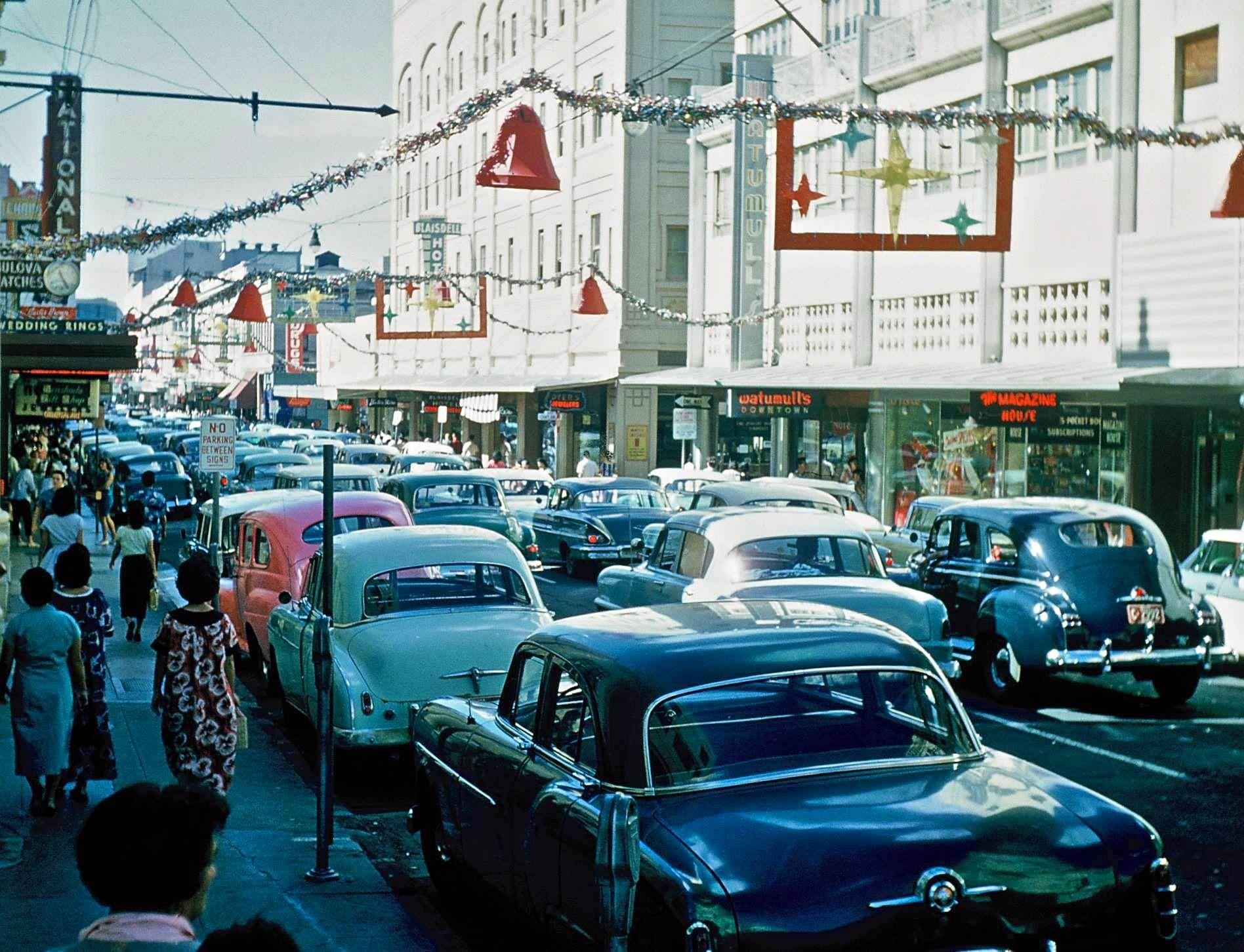 1959 Fort Street Christmas Decorations Honolulu Hawaiʻi