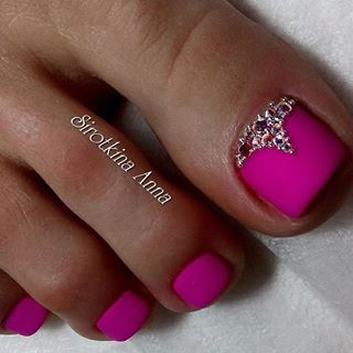 Pink Rhinestone ToeNail Art