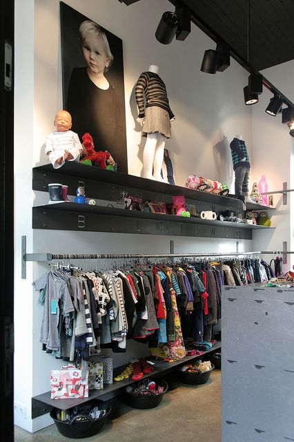 Design Kinderkleding.Afbeelding 015 Dxo Retail Id Kids Store Store Interiors Store