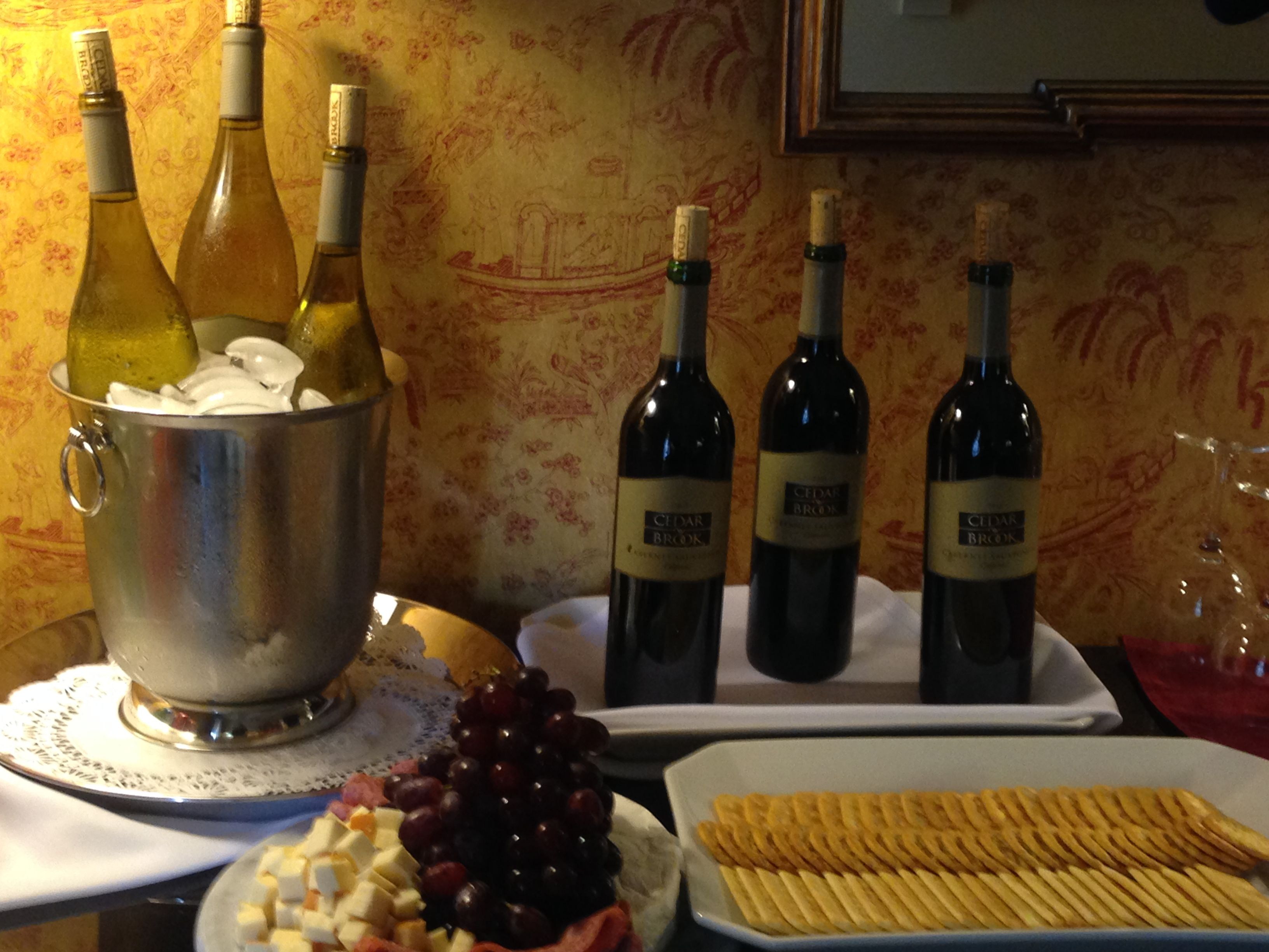 Mingle with your fellow guests and share travel stories as you sip on your favorite wine at our complimentary Evening Wine Hour!