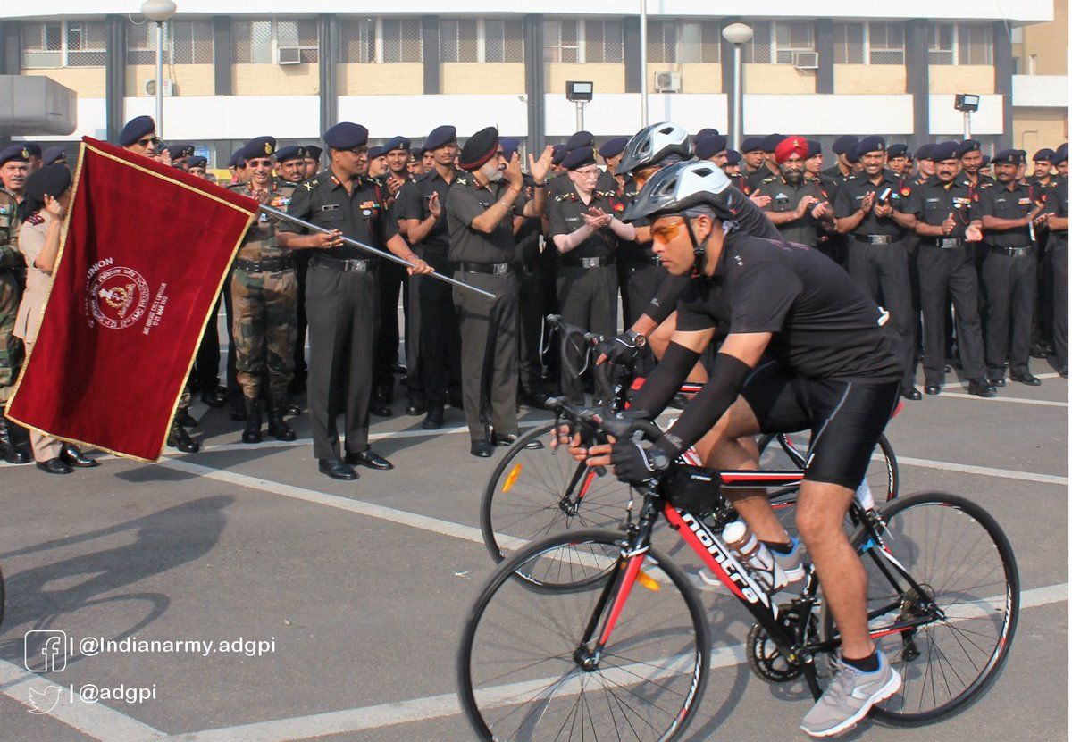 12th AMC Reunion Cycling Expedition from Delhi to Lucknow was organized. 2 officers & 8 jawans to cover total distance of 550 http://Km.pic.twitter.com/aWMLoFnm3s #IndianArmy #Army