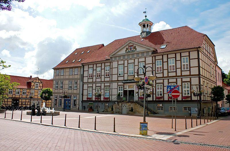 :Luechow marktplatz