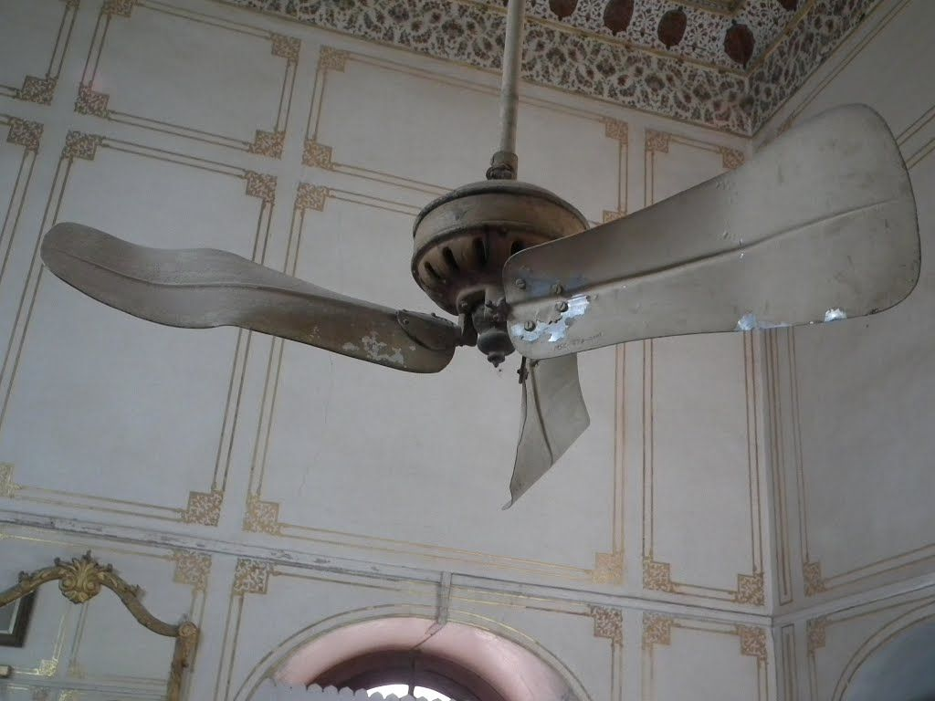 Old Ceiling Fans Panoramio Photo Of Very Old Ceiling Fan In