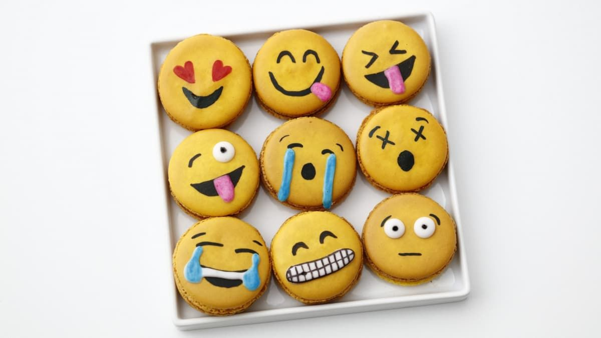Emoji Macarons Pop Culture Baking Class Watch Genius