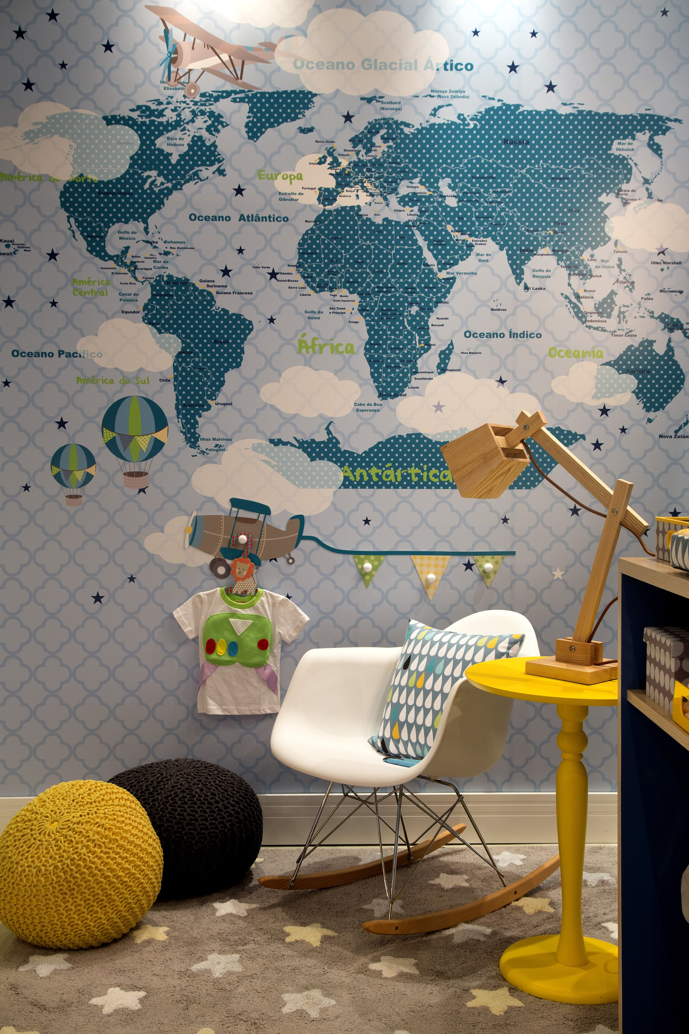 Quarto Do Rafa Mapa Mundi Lindo Favoritos Para A Casa  ~ Quarto Juvenil Menina Com Caixote De Feira Quarto