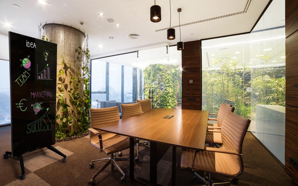 Stilrena kontor med glastavlor Modern heminredning
