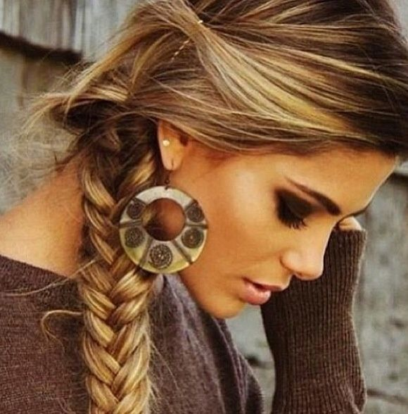 Cute and casual hairstyle...looks great with a cowgirl hat ...