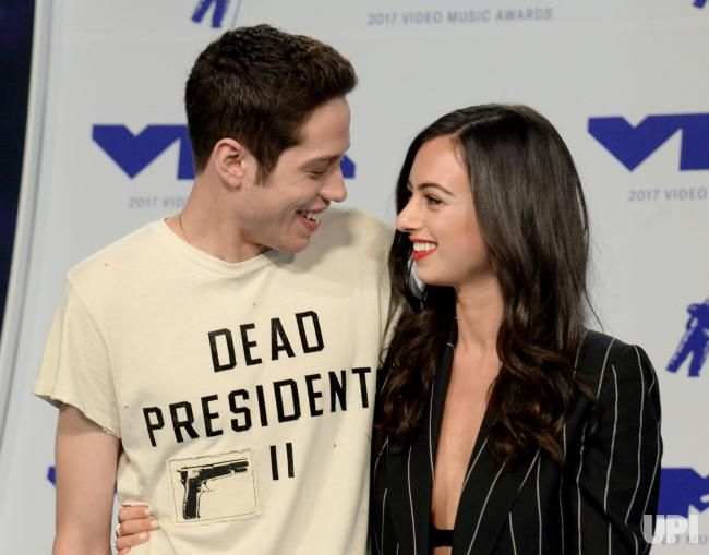 Pete Davidson L And Cazzie David Arrive For The 34th Annual Mtv Video Music Awards At The Forum In Inglewood Cal Mtv Video Music Award Mtv Celebrity Couples