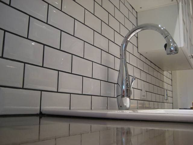 White Brick Tile Splashback With Grey Grout Subway Tile Backsplash Kitchen White Beveled Subway Tile White Subway Tile Backsplash