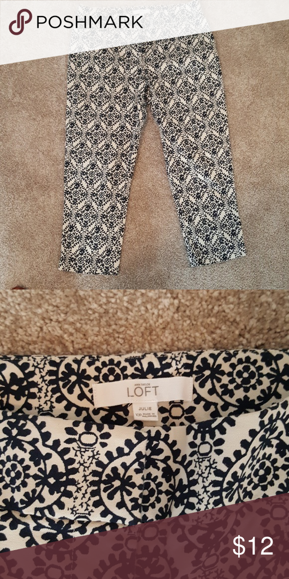 Loft ankle pants 10p Navy and cream so cute.  Julie fit size 10 petite never worn. LOFT Pants Ankle & Cropped