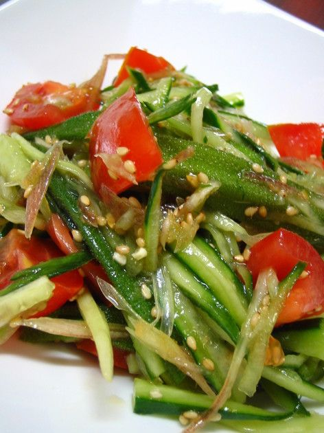 きゅうり・トマト・オクラ・茗荷をすべて混ぜて、ごま油と塩だけで和えました!箸がとまらない美味しい一品です☆