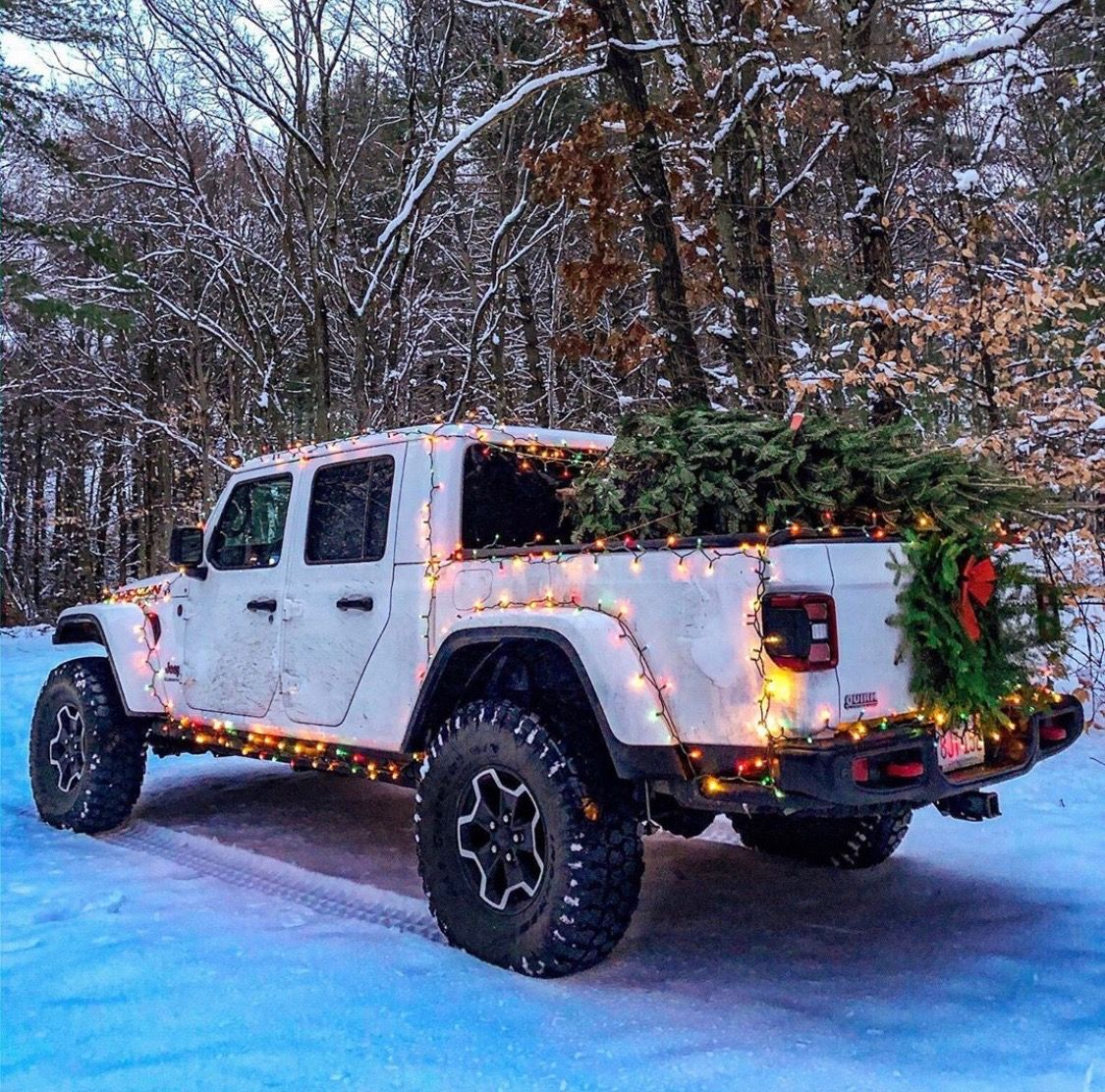 Jeep Gladiator With Christmas Tree And Christmas Lights Jeep