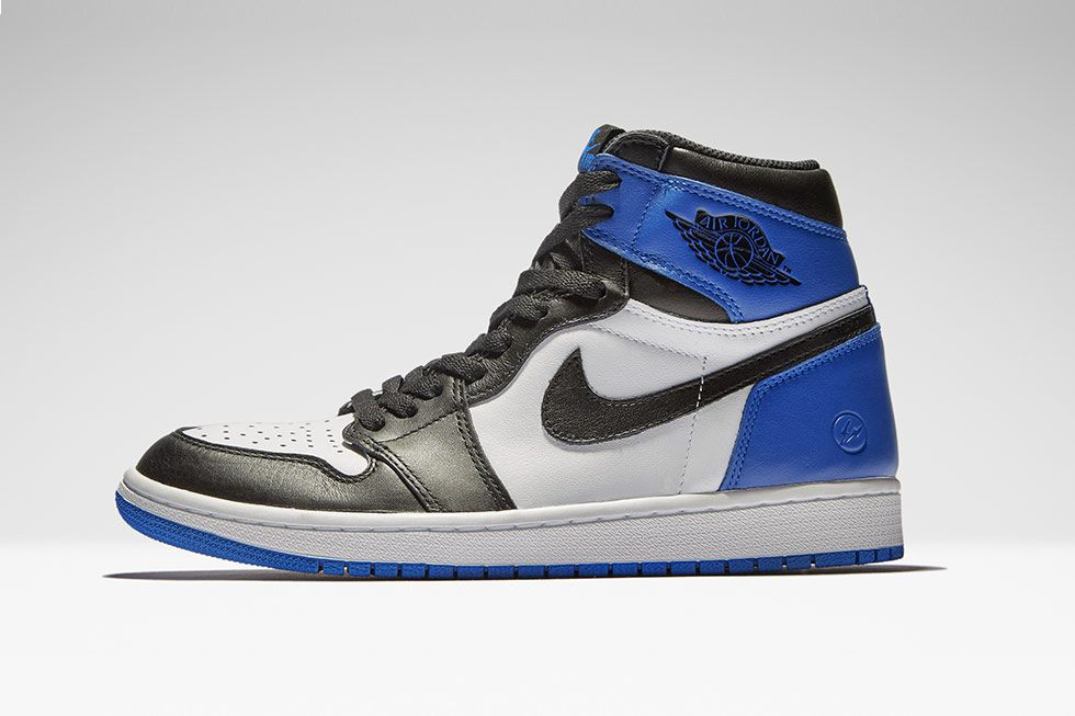 85f9dc8dfce40b  sneakers  news fragment x Air Jordan 1 Restocking at END.