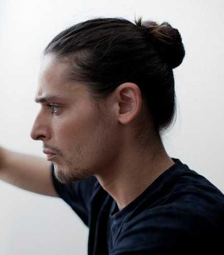 Hottest et Sexiest Bun Haircuts pour les hommes (avec images) | Chignon homme, Coiffures ...
