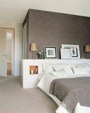 Photo of cabina armadio dietro al letto #paredes grises interiors recamaras