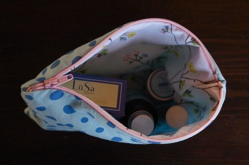 Tutorial - sew a lined zippered pouch