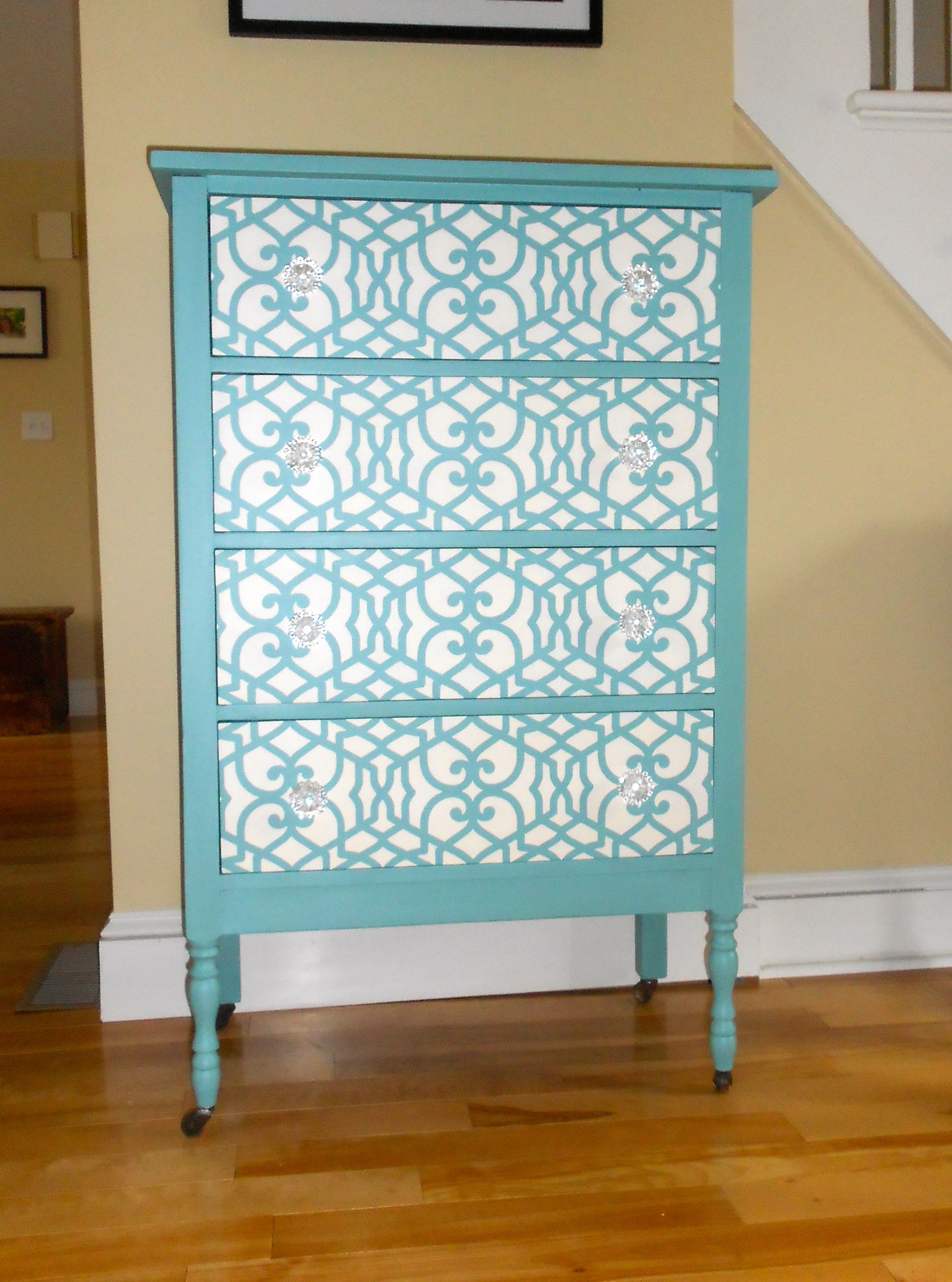 First time stenciling on furniture i love this royal - Royal design muebles ...