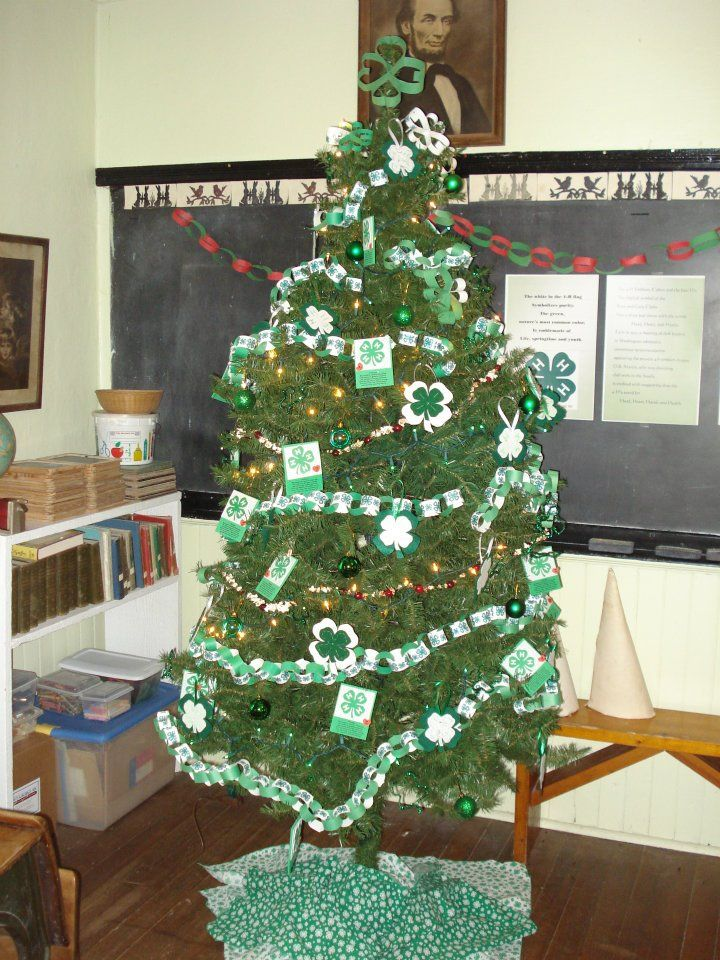 4-H decorations on a x-mas tree made by 4-H families for the O - christmas decor pinterest