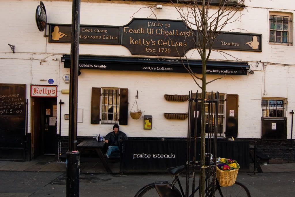 Kelly's Pub, Belfasteko gaua komunitate errepublikarrean, musika eta garagardoa... I cant get enough!