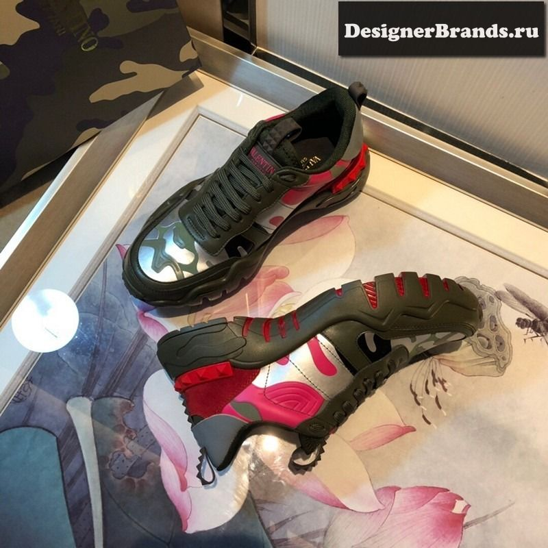 Valentino sneakers, Fake shoes