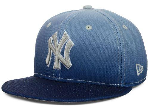 brand new 922b7 53b51 New York Yankees New Era MLB Diamond Gradation 59FIFTY Cap Hats