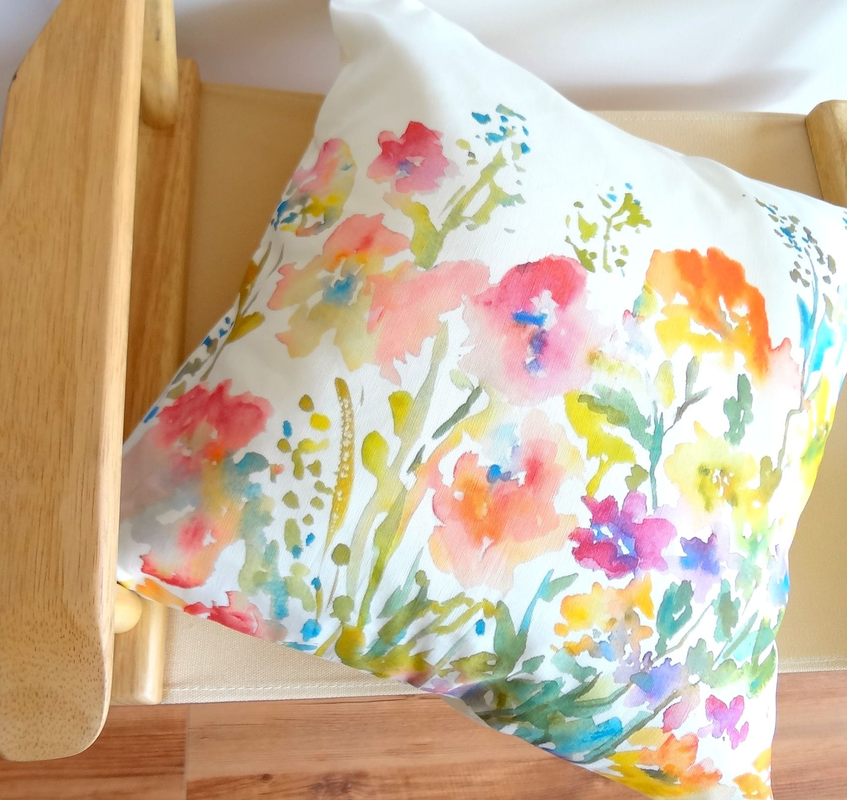 Cool Fresh Colors On Pillow Watercolor Pillows Floral Pillows Floral Pillow Cover