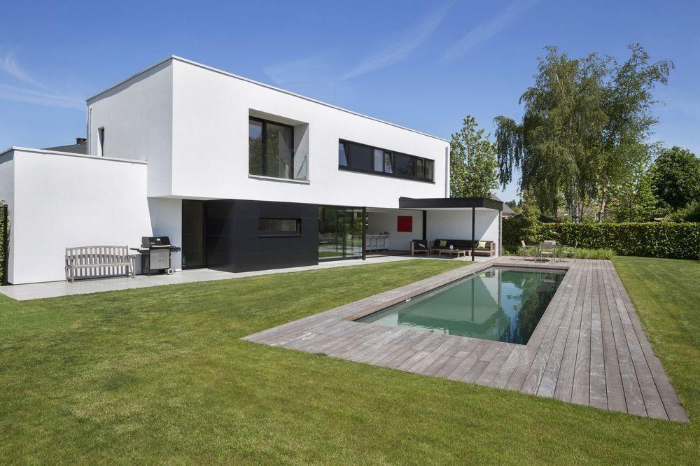 Une maison moderne et épurée aux volumes audacieux l\'architecte ...