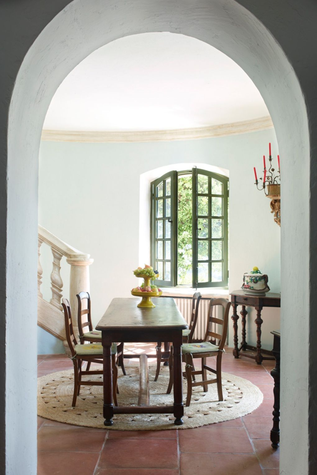 The charming French home of two furniture designers | Mexican ...