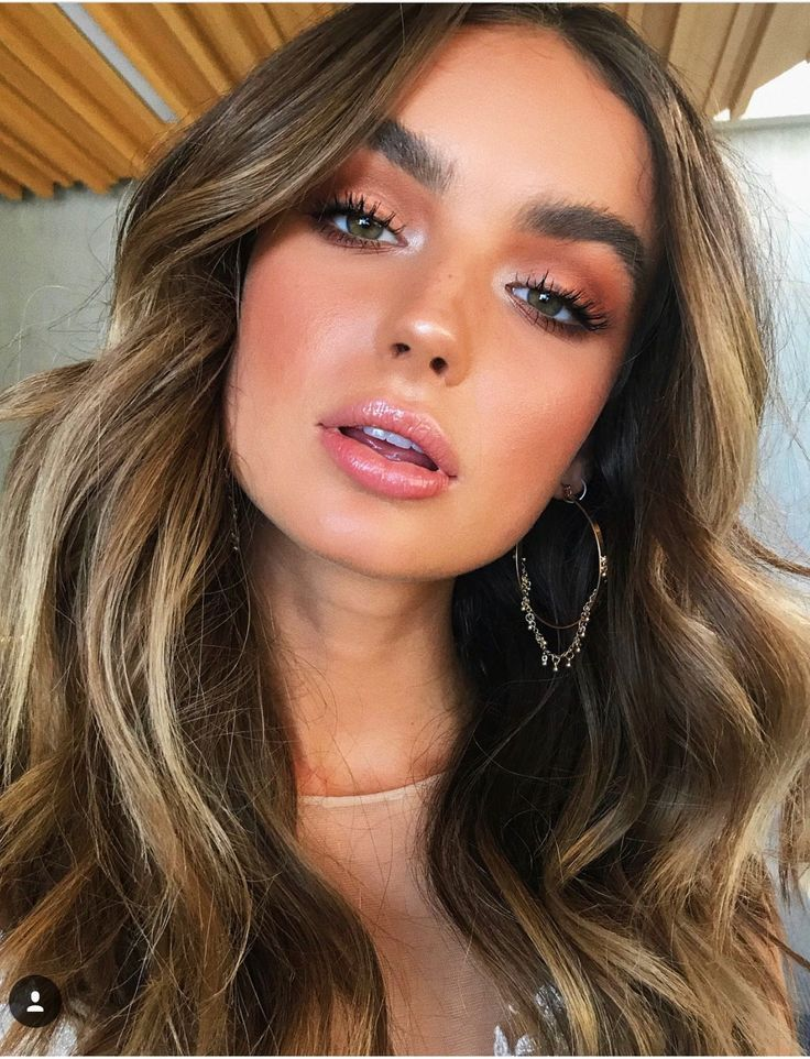 Photo of Warm brown Smokey eyeshadow look with glowing bronzed make-up look #EyeMakeu … – lace