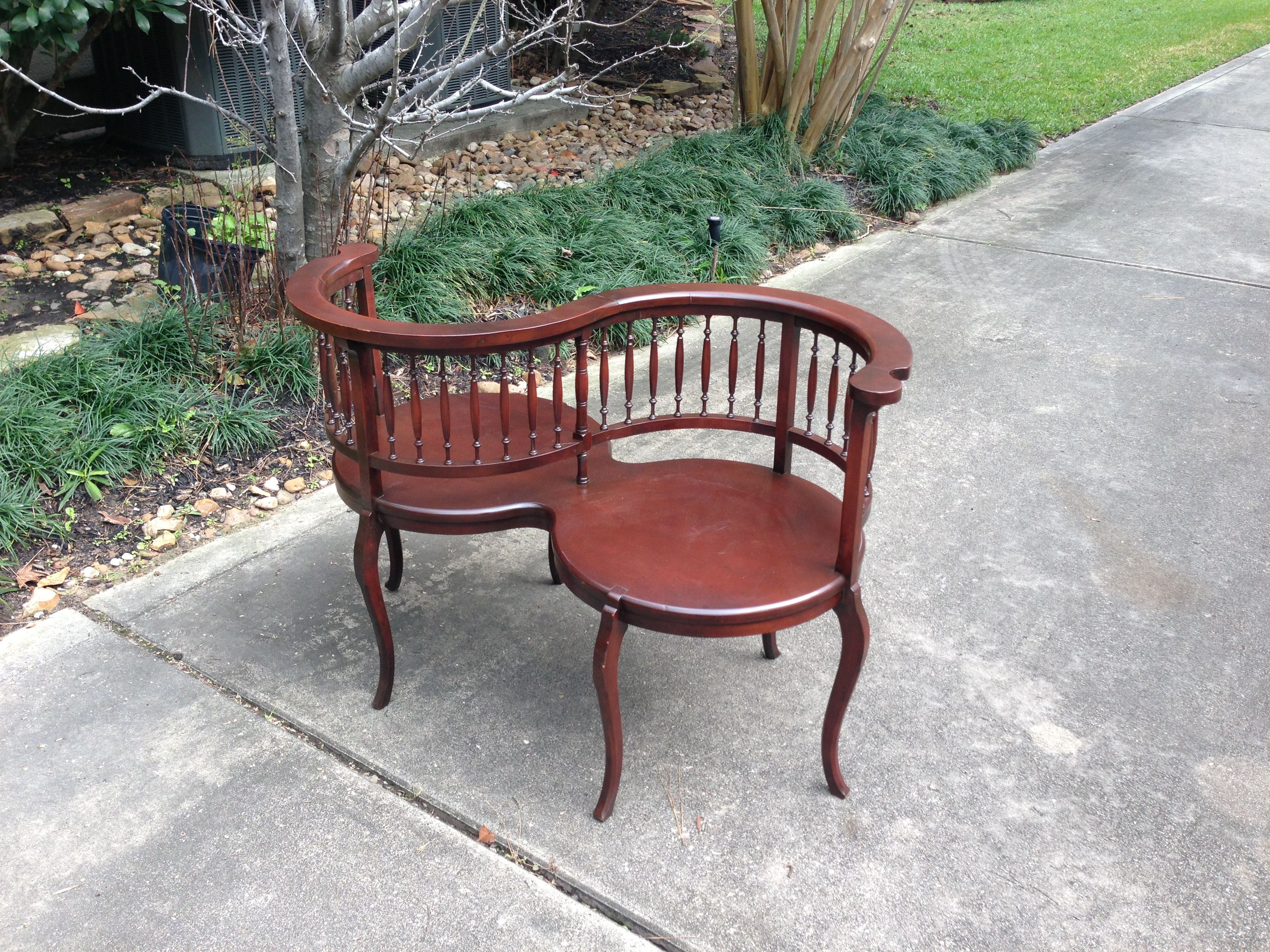 kissing chair for bridal or children's photos from rent some