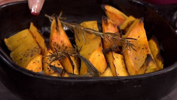 Thanksgiving Cooking: Stewart Pritchard of Morgan's Bistro makes a butternut…