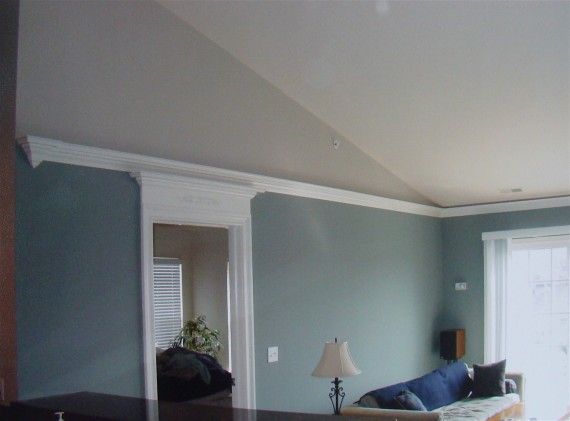 Crown Molding For Vaulted Ceilings Flying Crown Molding On This Vaulted Cei Vaulted Ceiling Living Room Crown Molding Vaulted Ceiling Vaulted Ceiling Bedroom