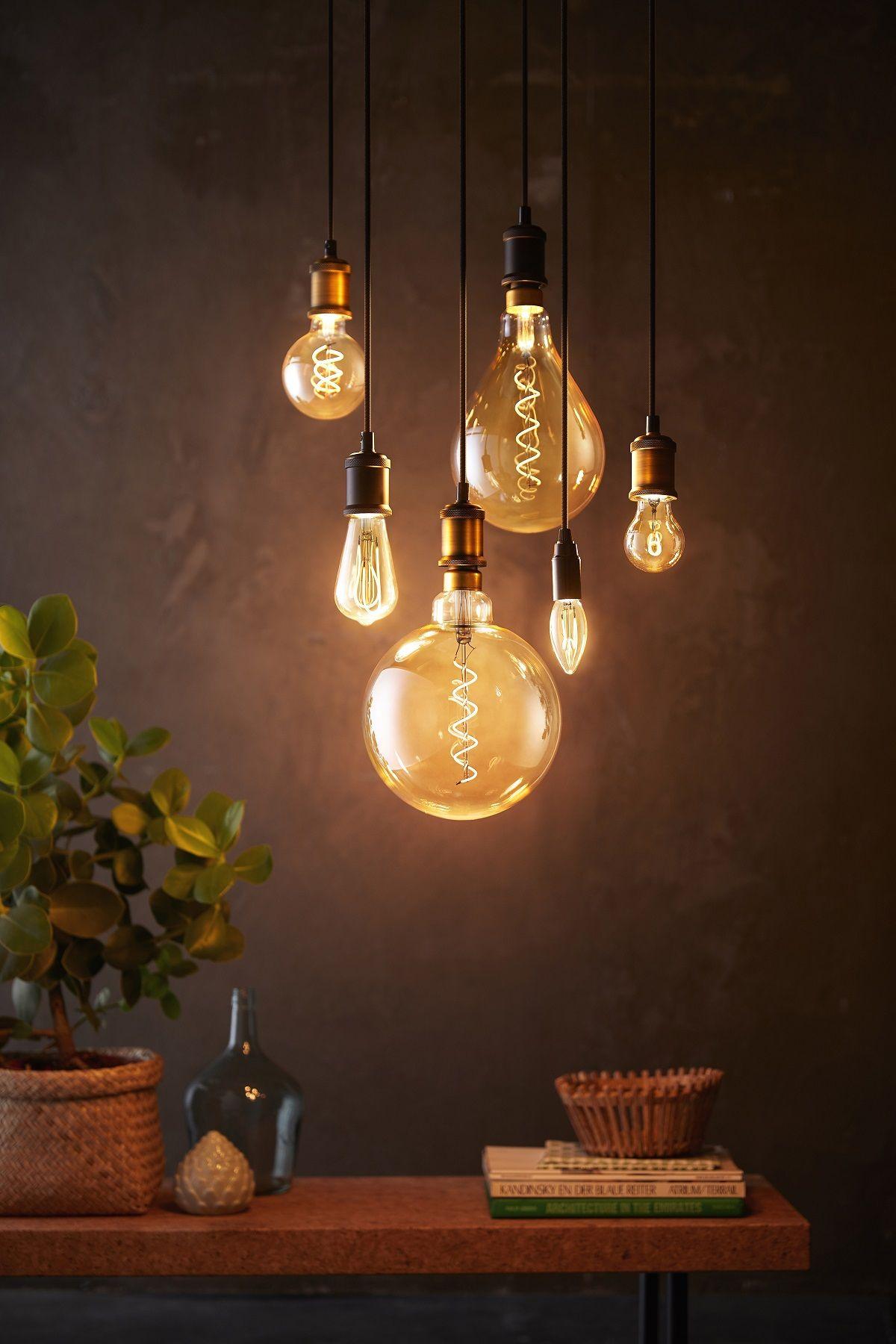 Vilagitas Otletek Vintage Light Bulbs Hanging Light Bulbs Light Bulb Chandelier