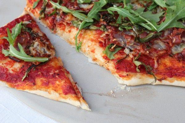 arugula, dinner, Food, pizza, pizza dough, pizza sauce, prosciutto, Recipes, thin crust