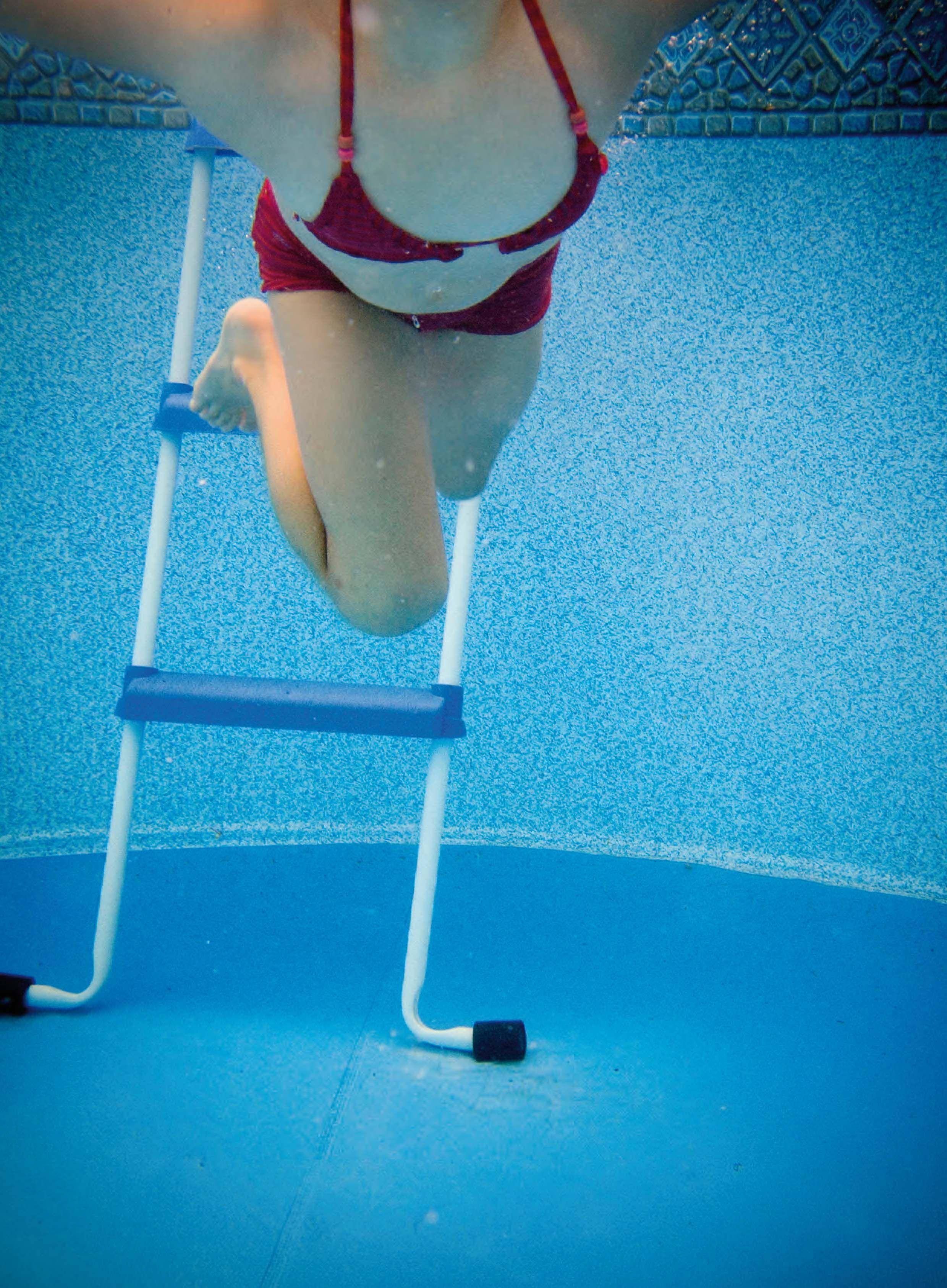 Escalera tipo tijera para piscina desmontable 98 cm gre for Accesorios para piscinas desmontables