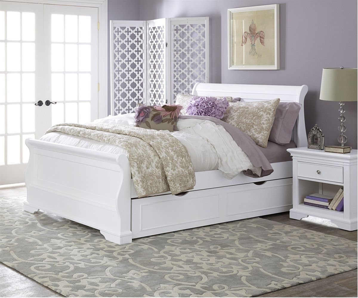 8035 and 8560 Full Size Riley Sleigh Bed with Trundle in