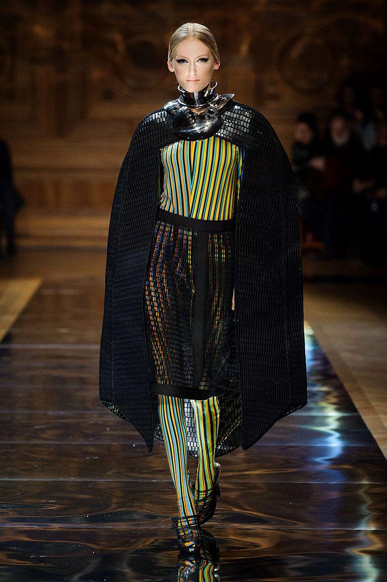 Oscar Carvallo coleccion Alta costura primavera verano 2014   Galería de fotos 28 de 37   Vogue México