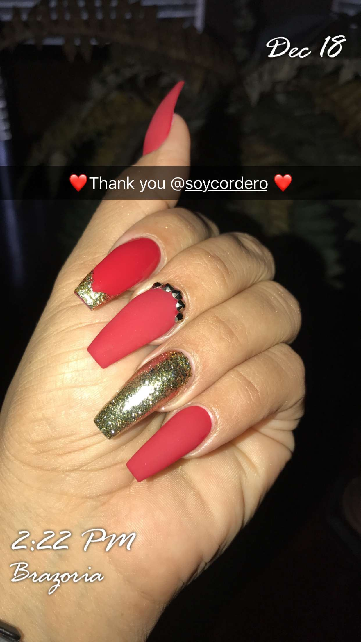 Red And Gold Coffin Nails Perfect Christmas Nails Gold Acrylic Nails Christmas Nails Quinceanera Nails