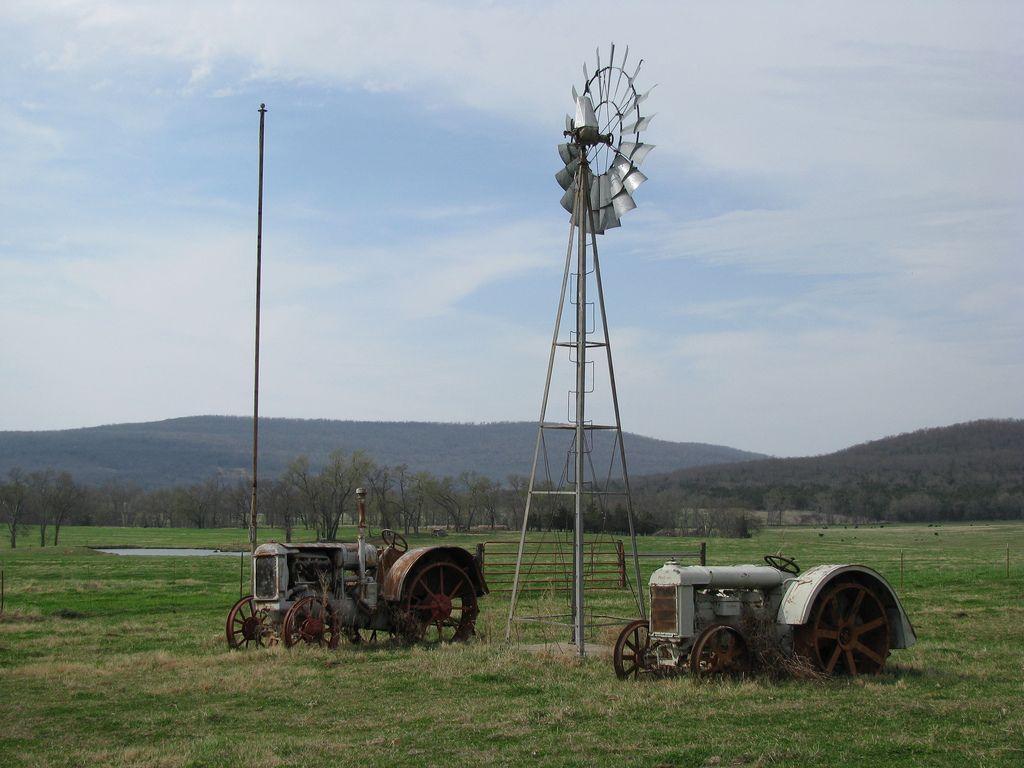 Tractors Windmill Old Tractors Tractors Farm Tractor